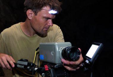 Tanguy Stoecklé et l'une de ses caméras Phantom